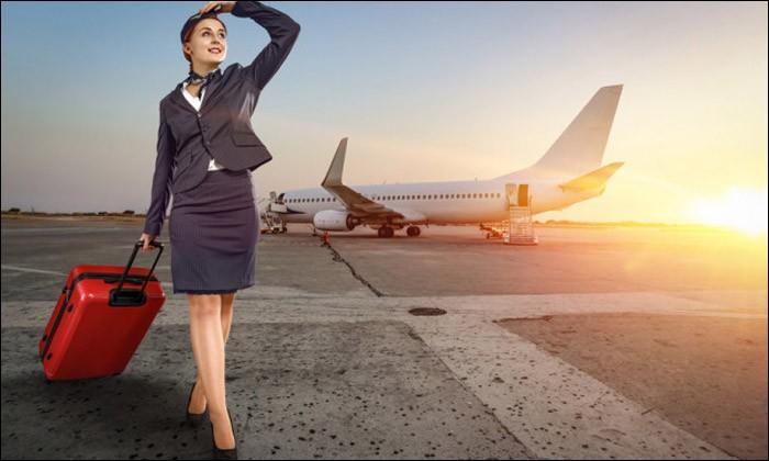 Laquelle de ces appellations désigne également l'hôtesse de l'air ou le steward ?