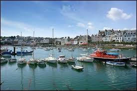Comment se nomment les habitants de Douarnenez (Finistère) ?