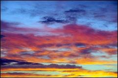 La couleur du ciel est...