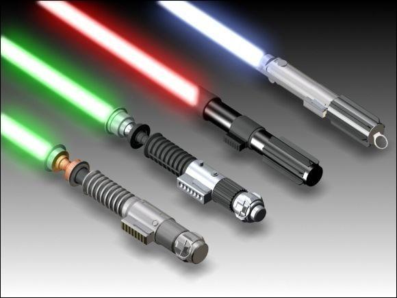 Les personnages peuvent se battre à l'aide de sabre laser.
