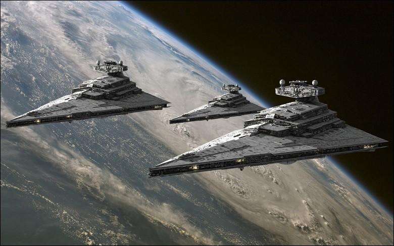 On observe la présence de vaisseaux spatiaux.