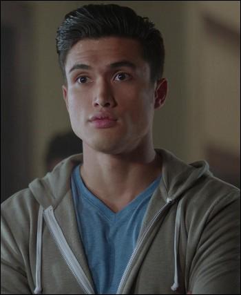 Quel acteur incarne Reggie dans la saison 2 ?