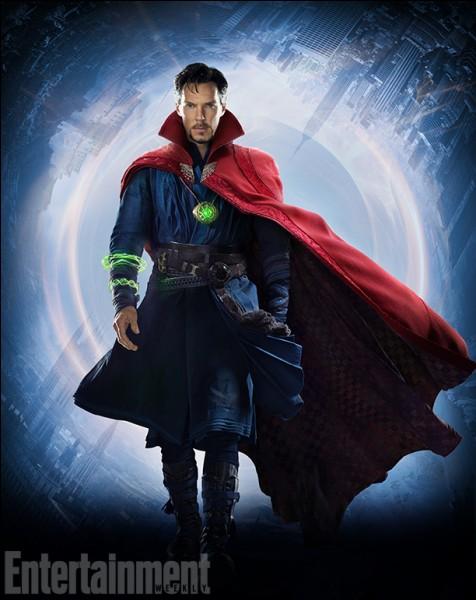 Je protège la Pierre du temps, j'ai une cape rouge et je fais de la magie. Qui suis-je ?