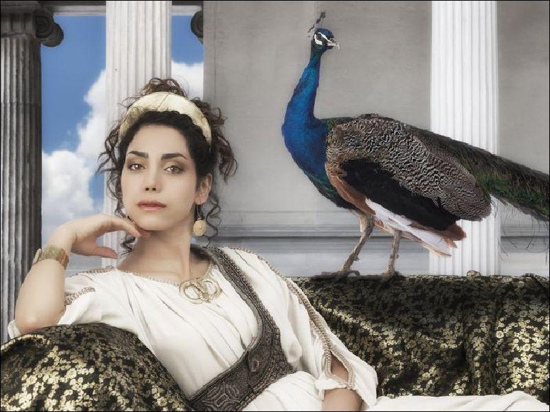 On attribue d'ordinaire à cette déesse un caractère fier et jaloux et des haines implacables. Qui est-elle ?