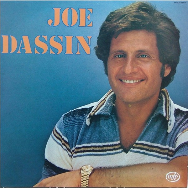 """En quelle année Joe Dassin a-t-il chanté """"Les Champs-Elysées"""" ?"""