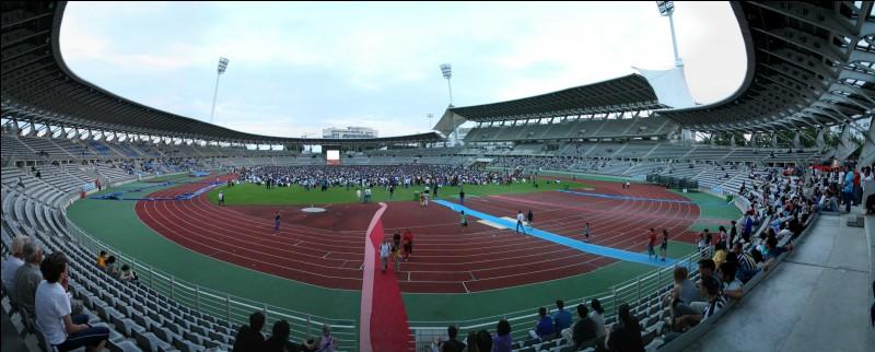 Comment s'appelle le stade du Paris FC, deuxième club de football de la ville de Paris ?