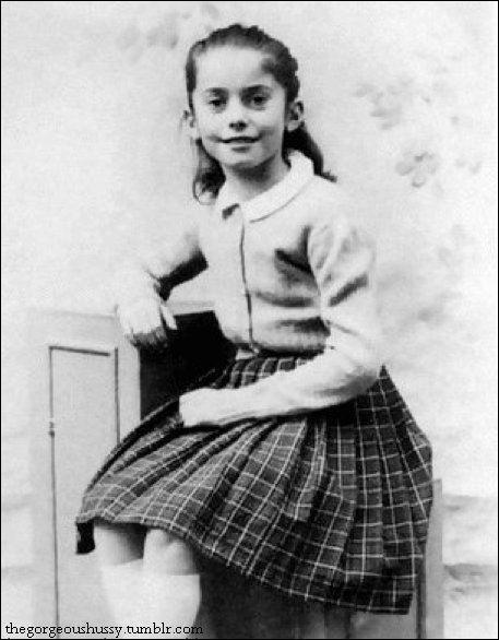 Catherine Deneuve est née sous le nom de Catherine Dorléac. Pour l'écran, elle a changé de nom. D'où vient-il ?