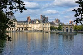 Comment appelle-t-on les habitants de Fontainebleau (Seine-et-Marne) ?