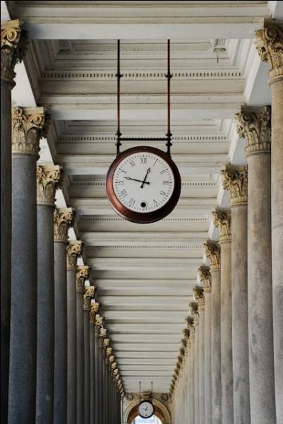 L'horloge parlante est une invention française, qui s'est répandue sur le monde. D'abord réalisée avec des voix de radio, ce sont des comédiens qui ont désormais enregistré les informations (jour, date et heure). A votre avis, jusqu'à quelle date finale ?