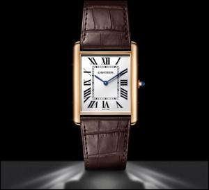 """L'une des montres les plus célèbres, créée en 1912, est la """"tank"""" de la maison """"Cartier"""". Elle prend un essor considérable en 1926 grâce au cinéma, portée dans un film à grand succès alors que l'accessoire est anachronique dans le film. Qui porte cette montre ?"""