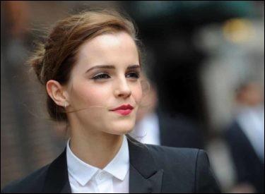 Quel est le montant du don qu'a fait l'actrice de la question 14 contre le harcèlement sexuel ?