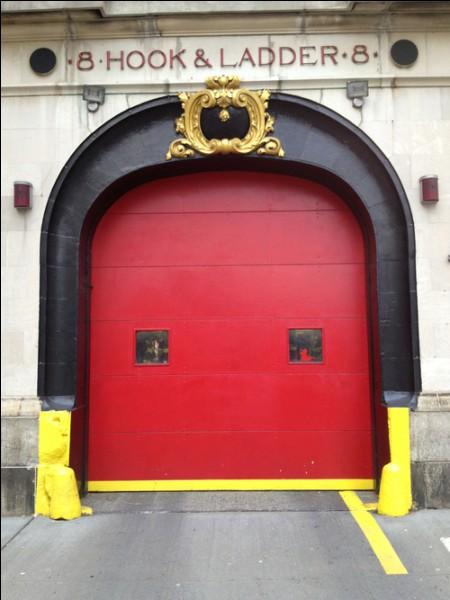 Regardez bien l'illustration ! Avec ce portail coloré, vous vous trouvez...
