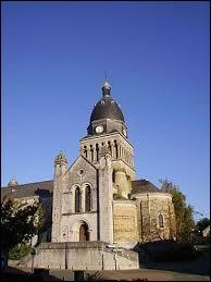 Nous sommes en Mayenne, à Bouère. Nous nous trouvons en région ...