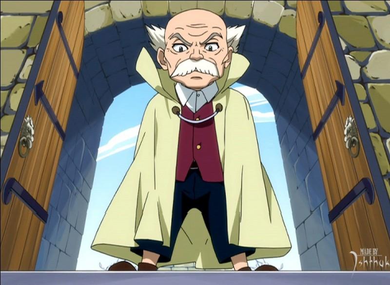 Quel est le nom du maître de la guilde de Fairy Tail?