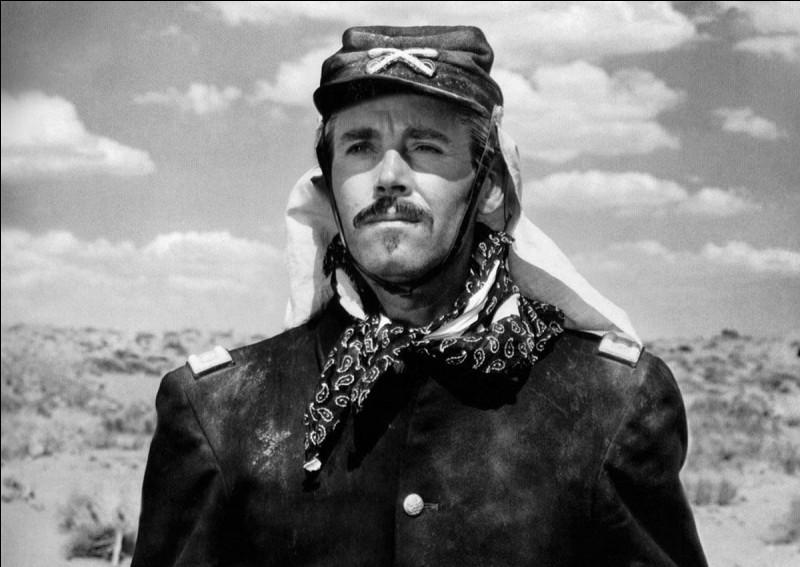 """Qui interprète la fille du lieutenant-colonel Owen Thurday dans """"Le Massacre de Fort Apache"""" ?"""