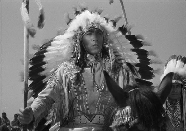 """Quel chef indien a tué le général Custer dans """"La Charge fantastique"""" ?"""