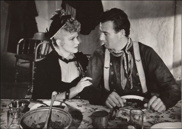 """Quelle actrice joue avec John Wayne dans """"La Chevauchée fantastique"""" ?"""