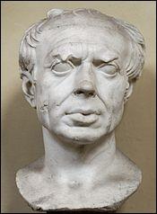 Général près de ses troupes et homme d'État ambitieux, de l'époque de la fin du IIe et du début du 1er siècle av. J.-C. Il fut 7 fois consul : Il agrandit l'empire romain et parvint à un stade unique de gloire et de pouvoir, au niveau militaire comme politique.