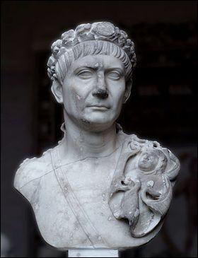 Il a été empereur romain tout près de 20 ans, de 98 à 117. On considère que c'est pendant son règne que les dimensions de l'Empire ont atteint leur apogée. Il a fait quelques ajouts notables à la ville de Rome dont le forum et la colonne Trajane :