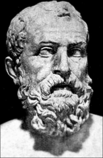 Homme d'État athénien (640-558), il est considéré comme ayant été un des principaux artisans du développement de la démocratie. Législateur, il a réformé les tribunaux et le droit en faveur des pauvres et il a fait participé le peuple au pouvoir ! Il s'agit de :