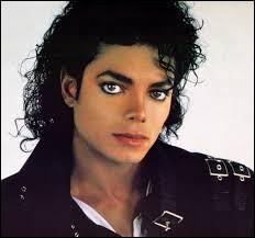 """Durant quelle décennie Michael Jackson a-t-il sorti la chanson """"Black or White"""" ?"""