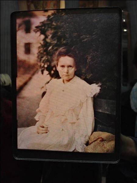 1891 : à quelle faculté parisienne s'inscrit-elle pour ses études de physique ?