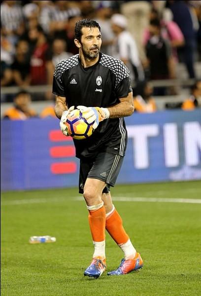 Joueur italien ayant joué à la Juventus. Qui est-ce ?