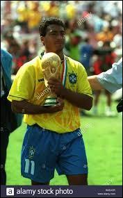 Joueur brésilien ayant joué au PSV Eindhoven. Qui est-ce ?