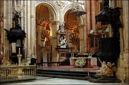 Une mosquée convertie en cathédrale après la Reconquista.