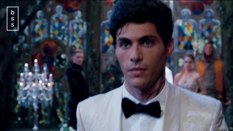 Pourquoi Alec voulait-il se marier avec Lydia ?