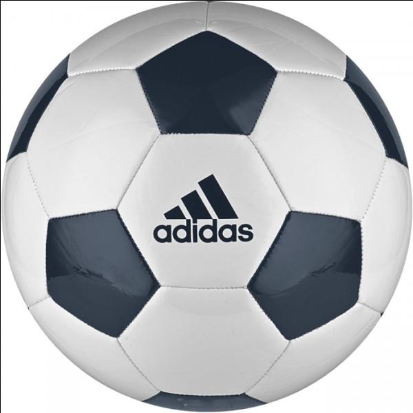 Aimes-tu le football ?
