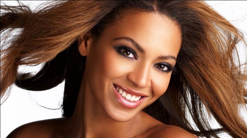 Beyoncé s'est coincé les cheveux dans un ventilateurlors d'un de ses concerts.