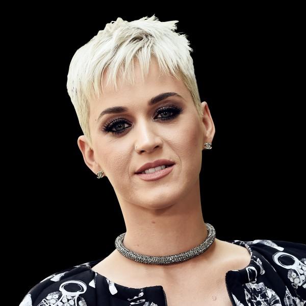 Katy Perry a raté son playback en voulant faire croire qu'elle savait jouer de la flûte lors d'un de ses concerts ?