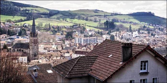 De quel département, la ville d'Aurillac est-elle la préfecture ?