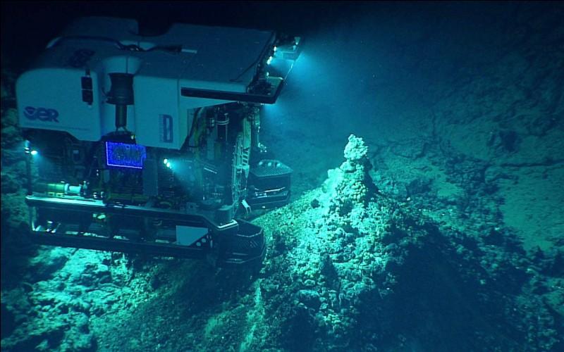 Quelle est la profondeur de la fosse des Mariannes ?