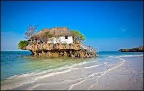 T : Quel pays n'est pas sur une île ou constitué de plusieurs îles ?