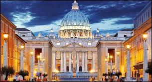 V : Quelle affirmation est vraie concernant le Vatican ?