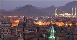 Y : La capitale du Yémen est Sanaa. Dans quelle chanson Michel Sardou évoque-t-il ''le crépuscule de Sanaa'' ?