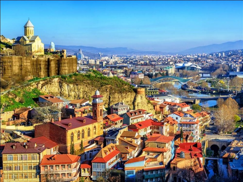 G : Quel pays a pour capitale Tbilissi ?