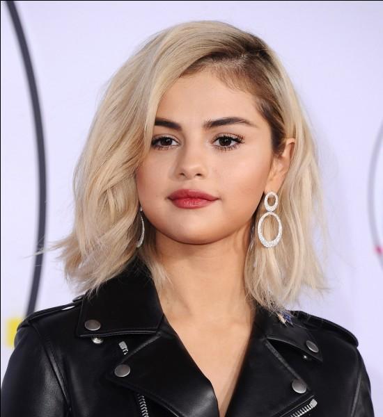 """Restons sur les chanteuses américaines. Selena Gomez ne supporte plus sa chanson intitulée """"Fetish"""" en coopération avec Gucci Mane."""