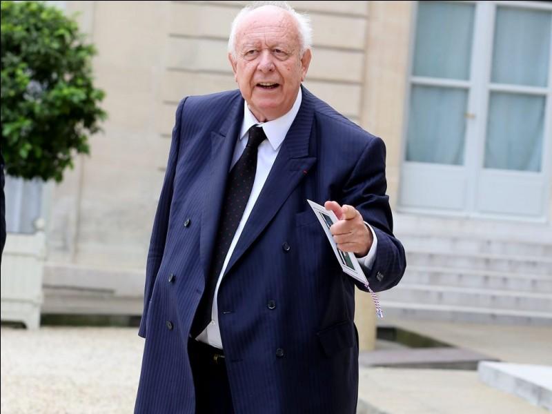 Qui est le maire de la ville de Marseille depuis 1995 ?