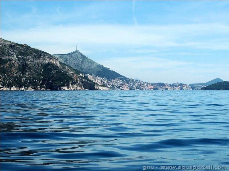 Qu'appelle-t-on une mer intérieure ?