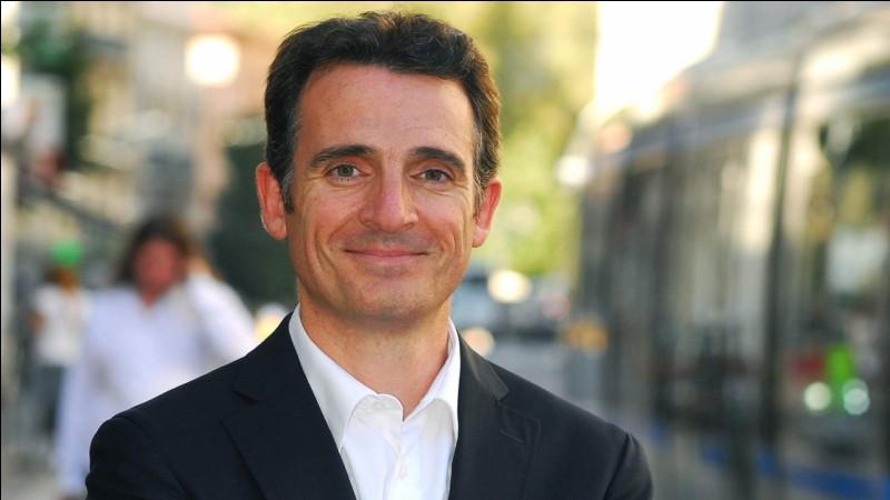 Qui est actuellement le maire de Grenoble (2018) ?