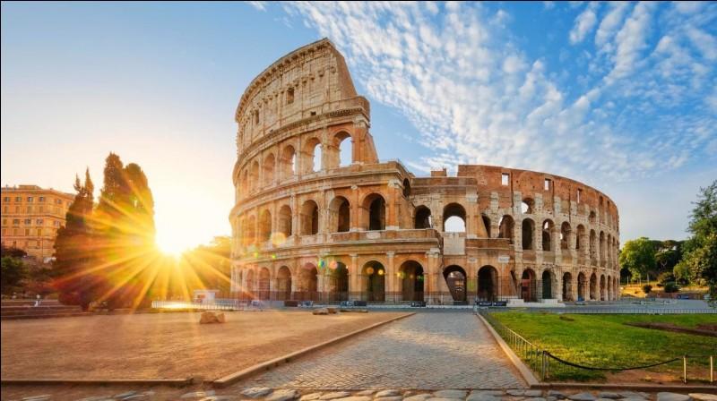 Qui aurait fondé Rome d'après la légende ?