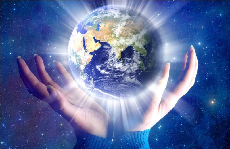 Quel est le surnom de la Terre ?