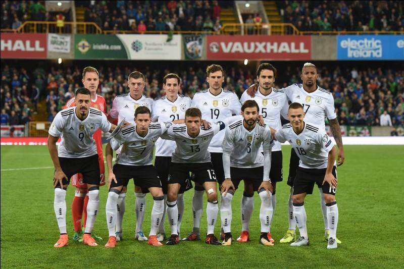 L'Allemagne a perdu son premier match de la compétition face au Mexique, ce qui est assez rare pour une équipe de ce calibre. Quelle était la dernière sélection à battre cette équipe allemande lors d'une Coupe du monde ?