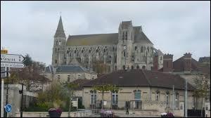 Quel gentilé donne-t-on aux habitants de Saint-Leu-d'Esserent (Oise) ?