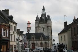 Francine est une habitante de Rue (Somme). Elle porte alors le gentilé ...