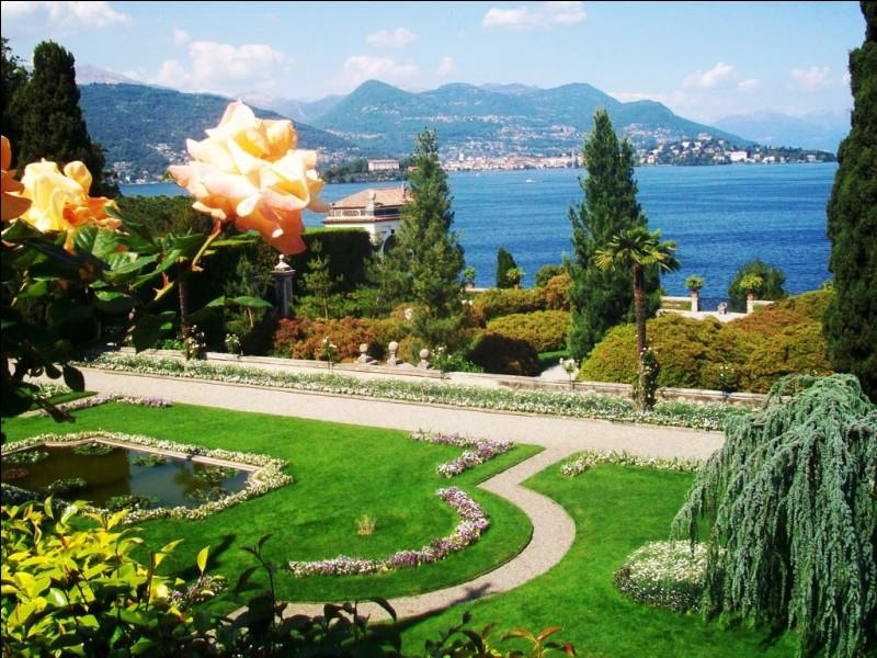 Je vous jure avoir pris cette photo à Menton, sur la côte d'Azur.