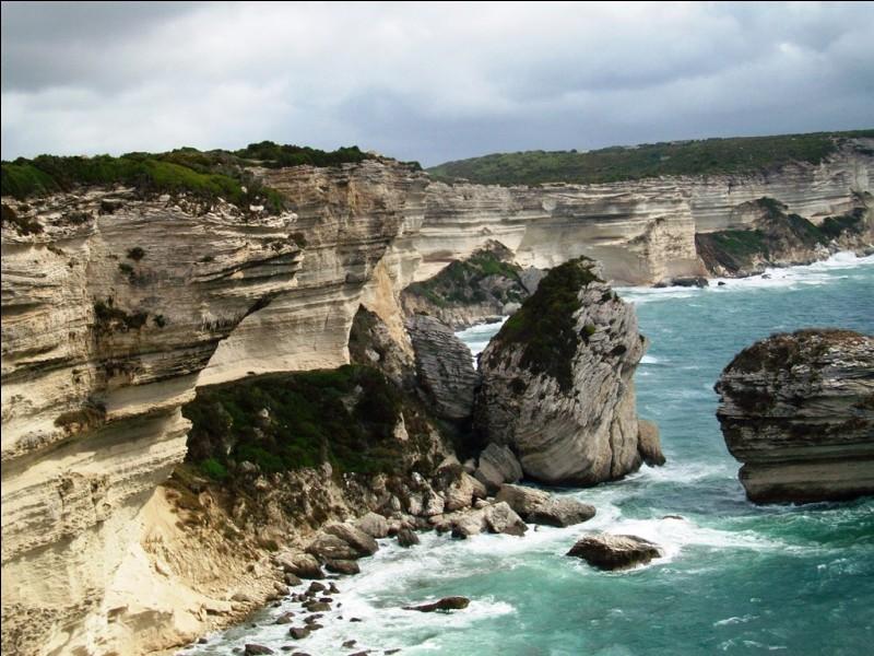 Ces impressionnantes falaises calcaires sont celles de Douvres, en Angleterre.